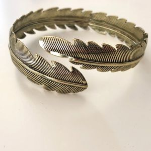 Forever 21 Feather Arm Cuff in Gold